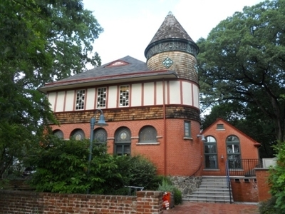 West Chester Public Library