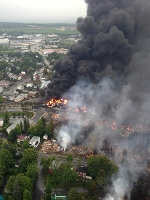 Large lac megantic burning