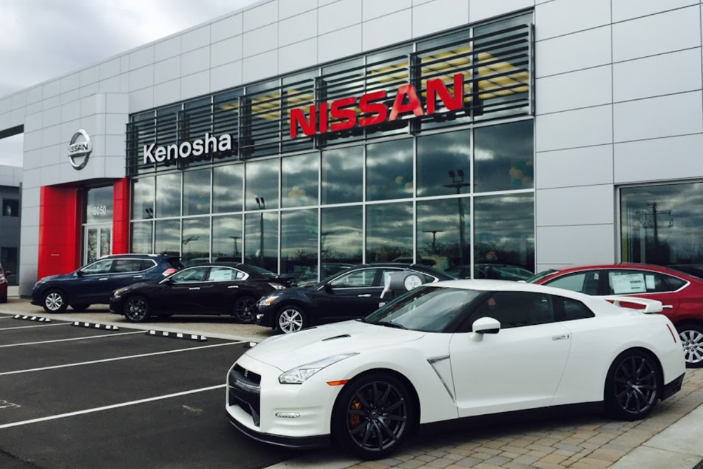 Nissan Dealers In Wisconsin >> Kenosha Nissan Donates 5 000 To Wisconsin Vfw Mega Dealer