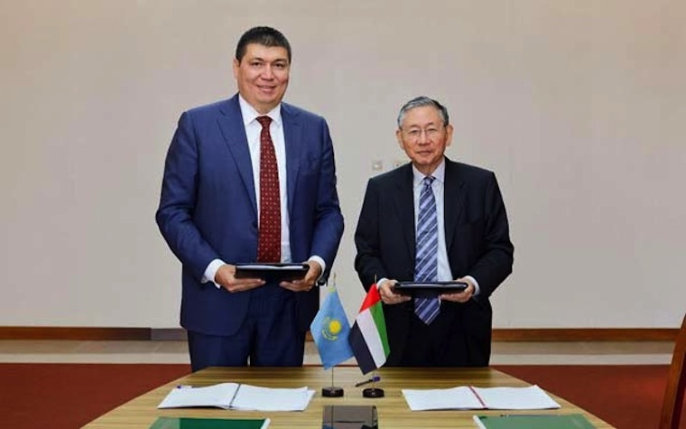 DIFC Courts Chief Justice Michael Hwang (right) and Deputy Governor of the National Bank of Kazakhstan Nurlan Kussainov (left).