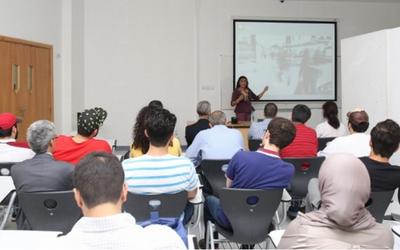 Feng Shui master explains concept to Ajman University students