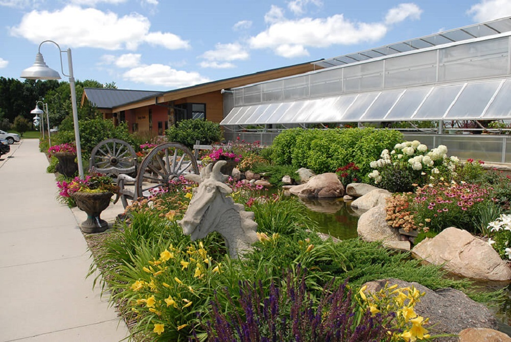 Merveilleux Ted Lare Design Build U0026 Garden Center Has Served Iowa For Over 36 Years.