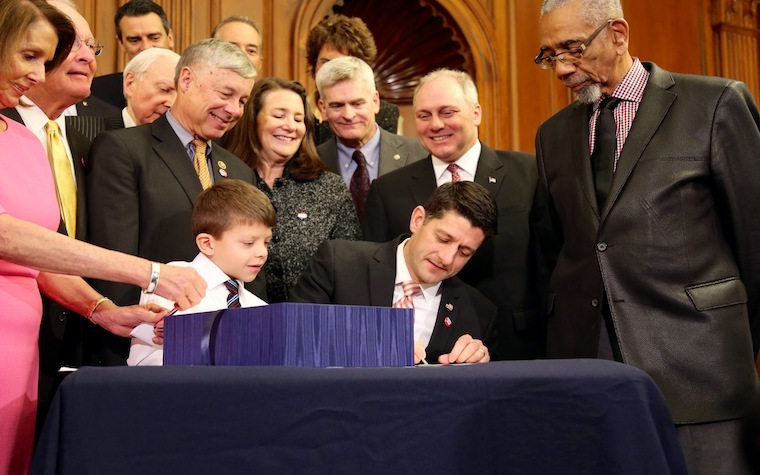 Speaker Ryan signs medical innovation bill
