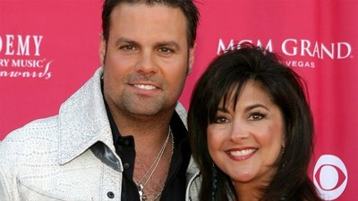 Late country music star Troy Gentry and his wife, Angela Gentry