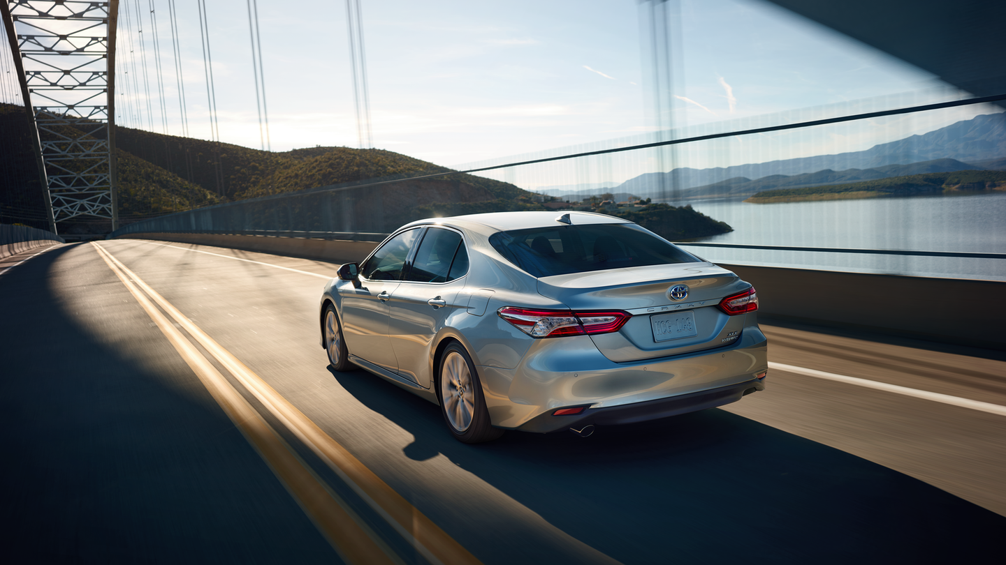 Lane departure alert detects the painted lane lines and sends audio and visual alerts if a driver strays.
