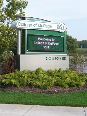 Large collegeofdupagesign