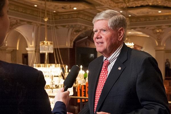 Illinois State Sen. Jim Oberweis (R-Sugar Grove)