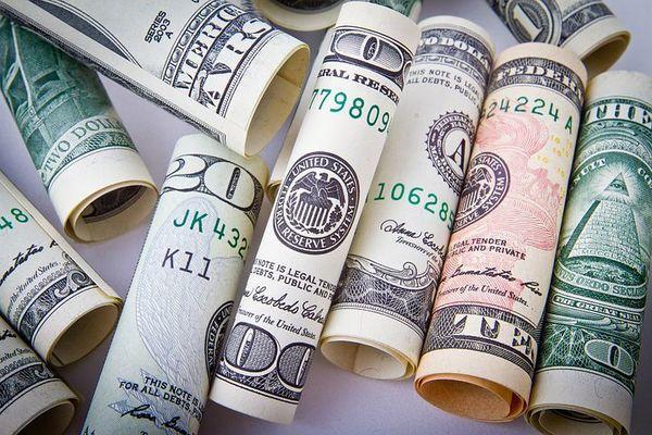 Large moneyflat