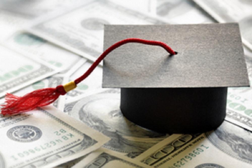 College Illinois faces a deficit of $320 million.