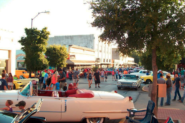Classic cars and free concerts are held every weekend in July in Brenham.