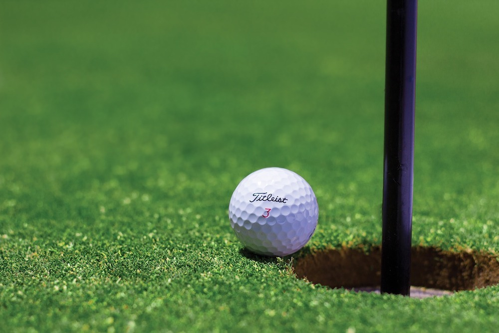 Hilco Real Estate is auctioning off a prime golf property in California.