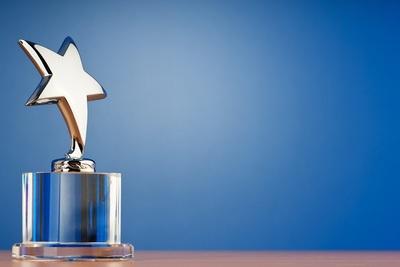 Medium awardstar