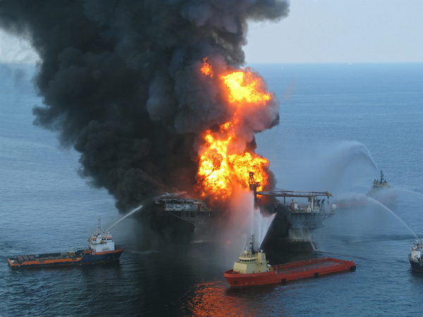 Large deepwater horizon offshore drilling unit on fire 2010