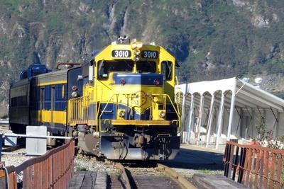 Medium railroad generic 1000x667