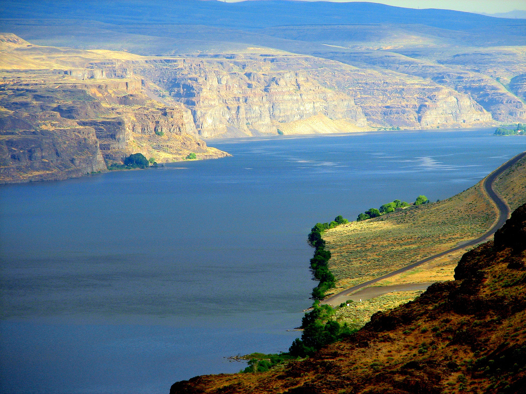 Washington and Oregon have proposed updates to the Lower Columbia River Plan to better manage potential oil spills in the area.