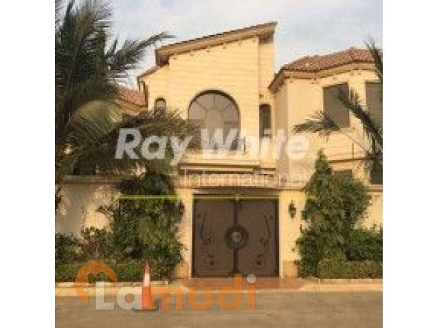 A six bedroom villa is now available in  Al Muhammadeya District
