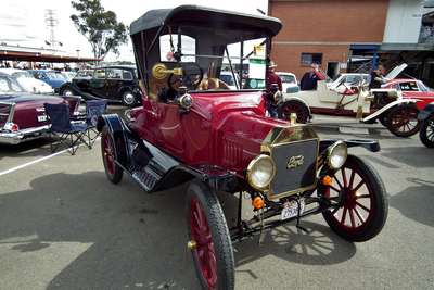 Originally, membership in the Austin chapter of the then-Horseless Carriage Club was limited to male owners of cars built prior to 1915.
