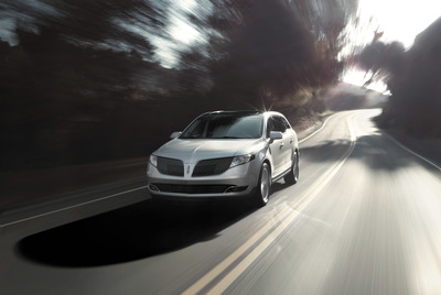 The 2015 Lincoln MKT offers two engine choices. Standard on the front-wheel-drive version is a 3.7-liter V6, producing 303 horsepower and 267 pounds per foot of torque. Mated to a six-speed automatic, this engine delivers fuel economy of 17 mpg in the cit