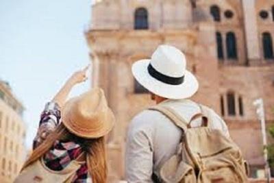 Medium tourist