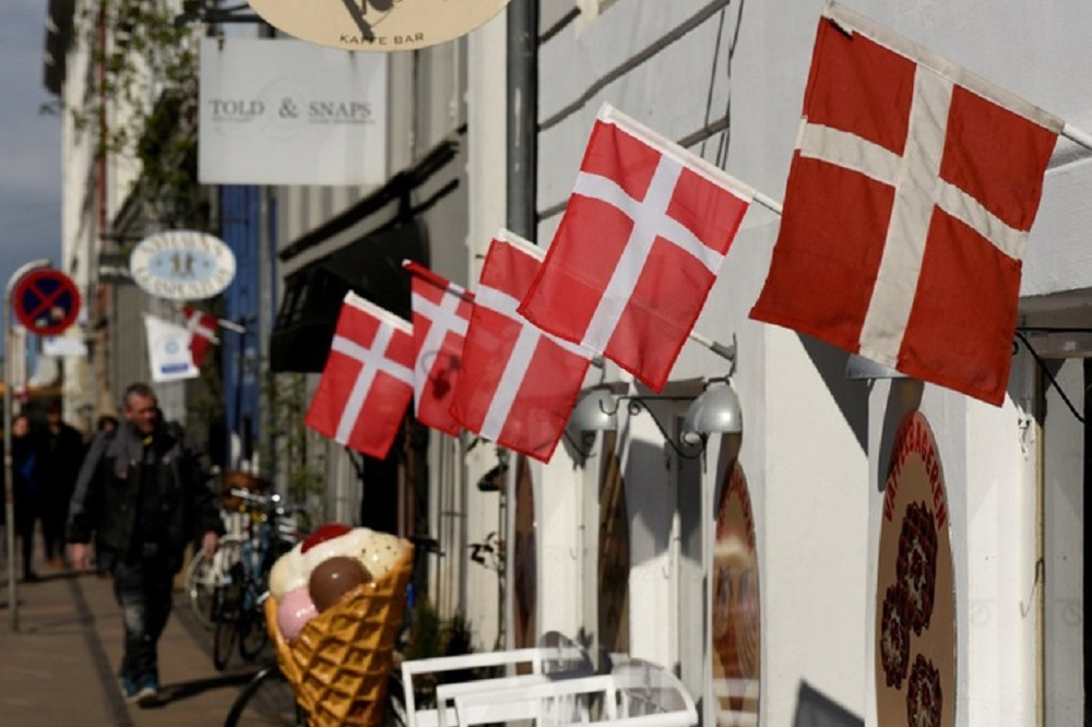 A Danish pension fund investing in a world equity index fund could achieve an uplift of 20 to 50 basis points.