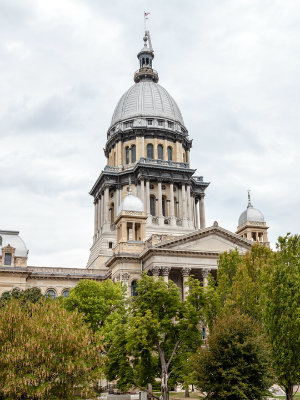 Large illinoiscapitol
